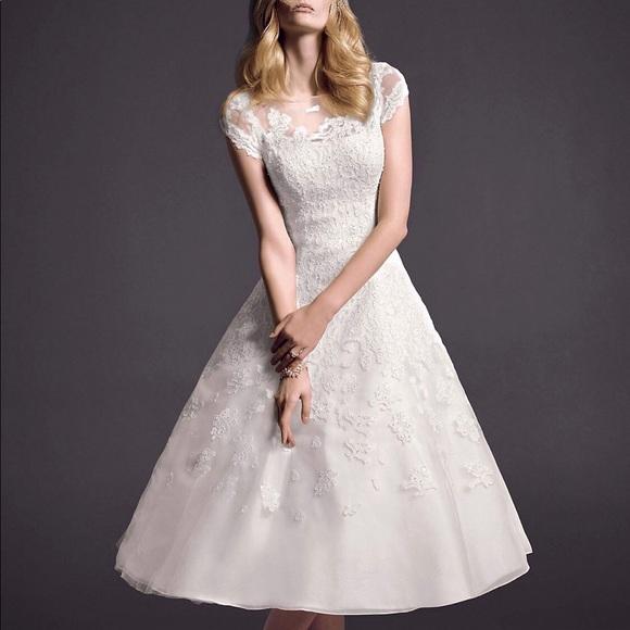 Oleg Cassini Dresses & Skirts - Oleg Cassini Wedding dress- cap sleeve illusion